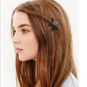 Collective stars hair pin